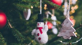 5 Easy Christmas Tree Decorations